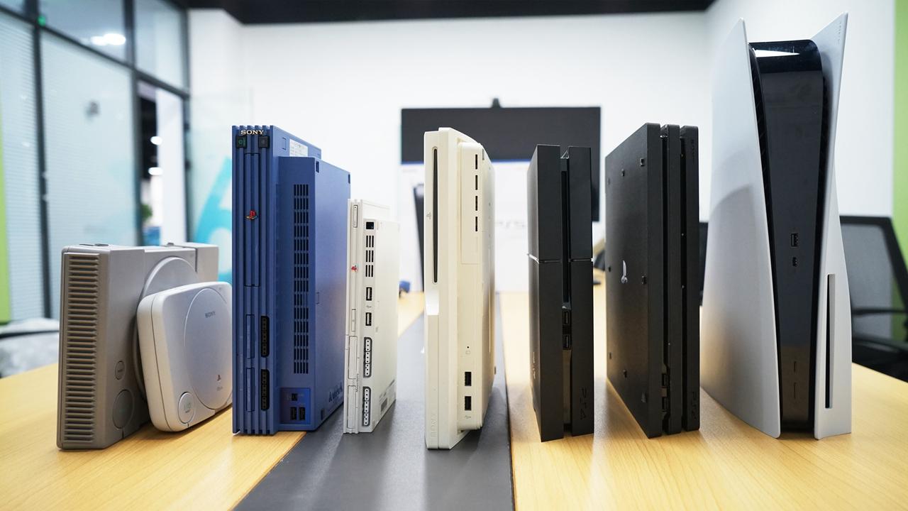 PS5實機開箱組圖及歷代PS家用機合影